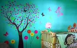 Decorazione albero fiori e farfalle
