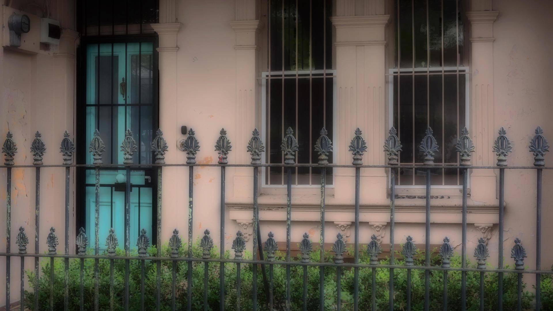 Don_05M1_Aqua_Green_Door
