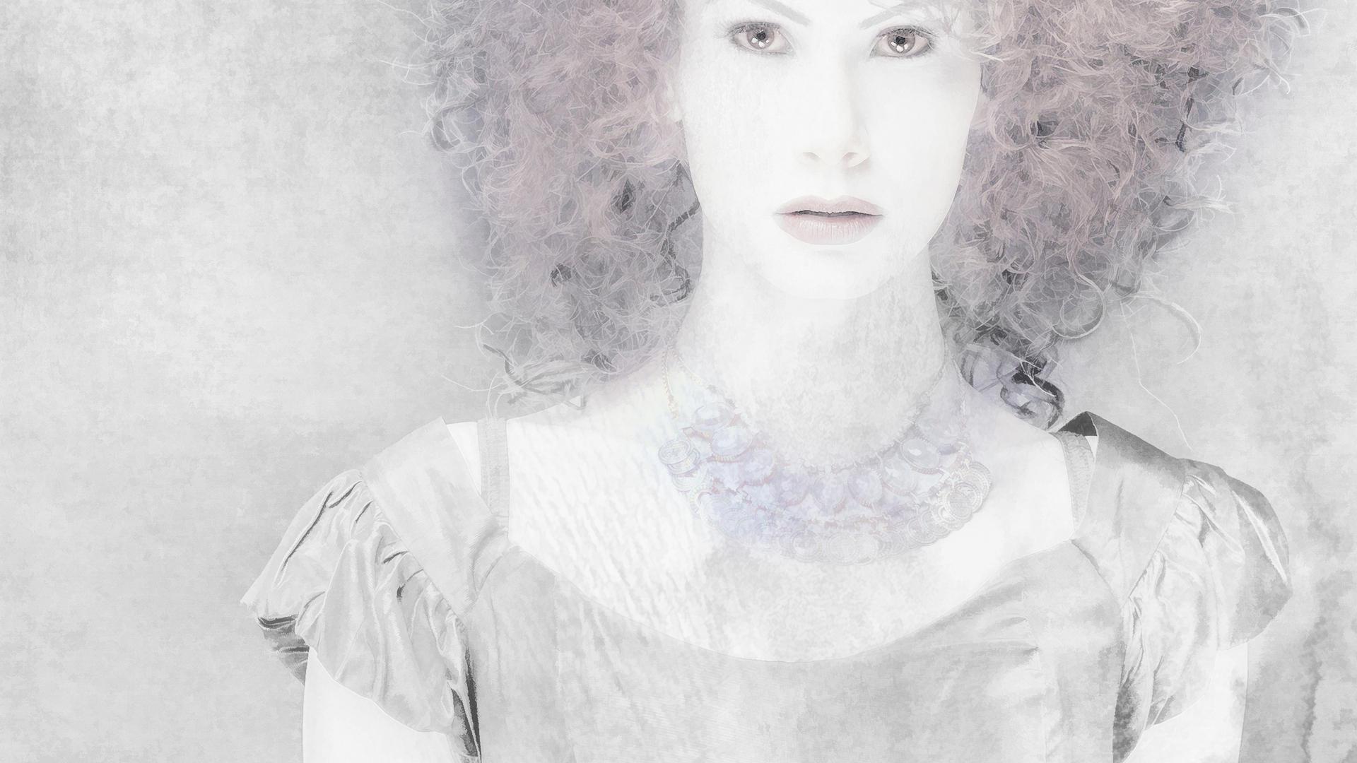 Christina_Red Head