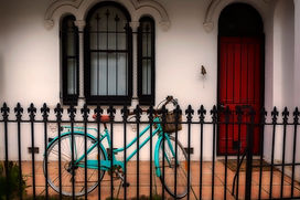 Don_T3_Bicycle_on_the_Porch