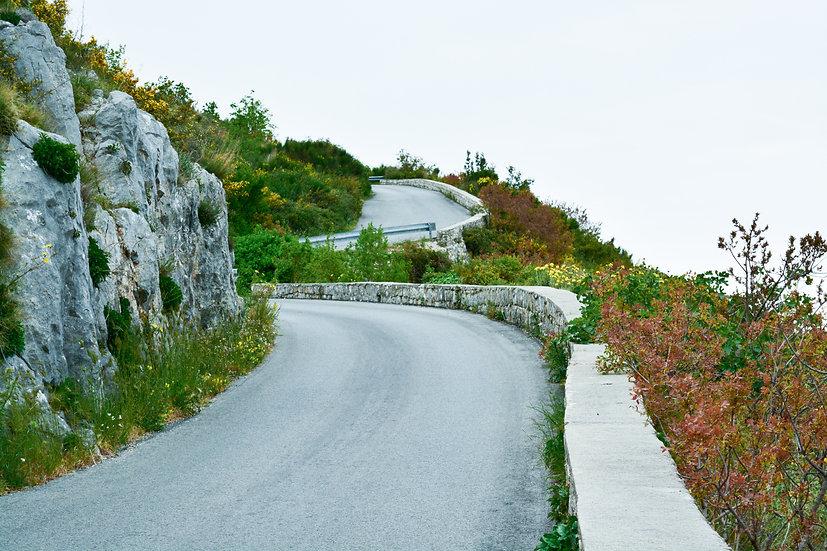 Estrada para o Monte Srdj