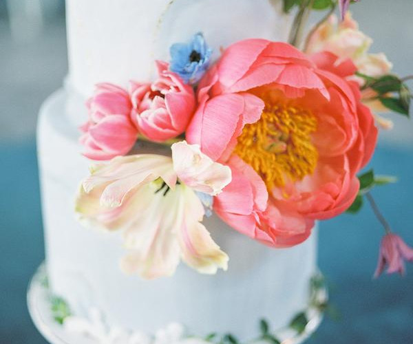 Eliana Nunes Floral & Event Design - Hillary Muelleck Photography - Cake and All Things Yummy