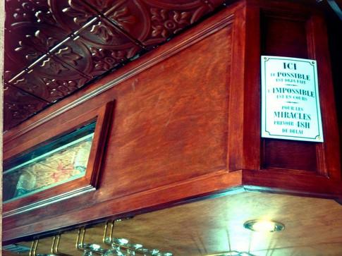 Accroche oeil au bar