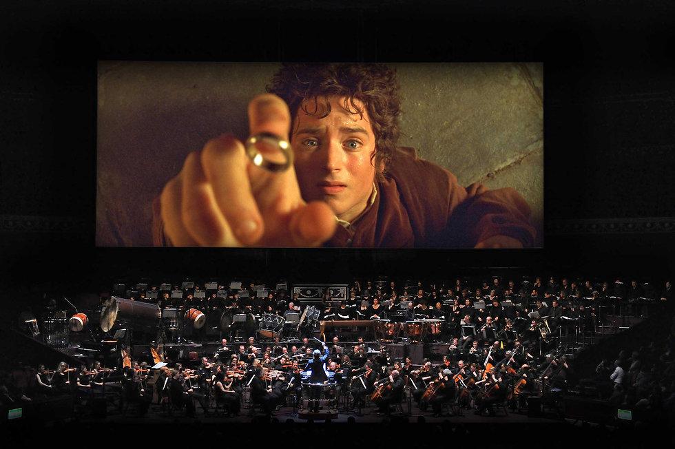 HighResLOTR-Frodo-and-ring.jpg