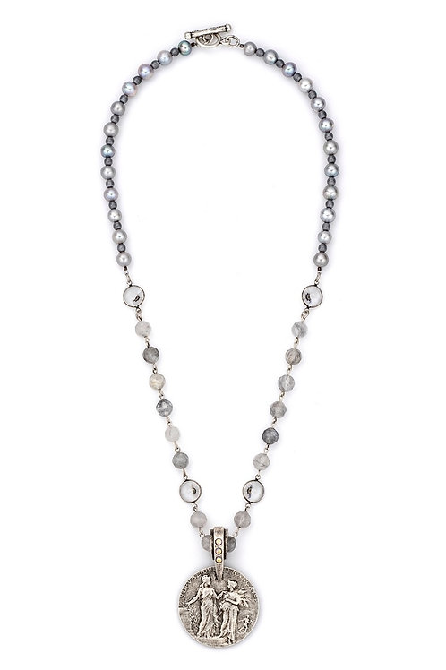 French Kande necklace with Swarovski and silver pearl