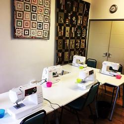 Classroom all set up for creative machine embroidery #classesatreticulefabrics #learnsomethingnew  #