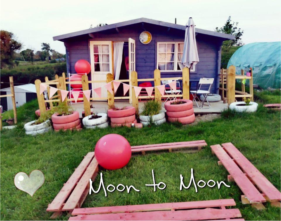 the Moon's House ...