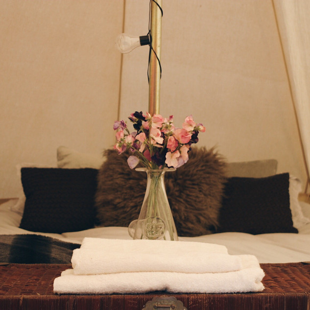 glamped up bell tent hire.jpg