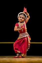 Shrinika_performing_Abhinaya_(Kede_Chhan