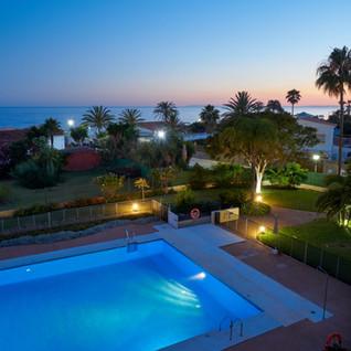 piscina hacienda playa elviria.jpg