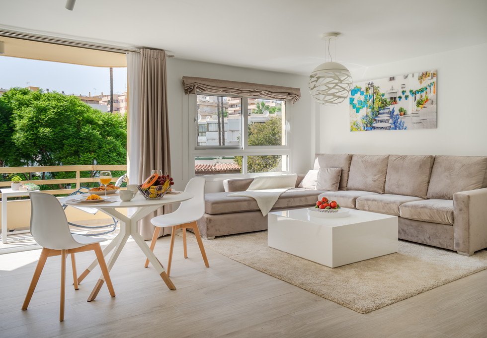 15 Marbella centro junto playa LeKune pi