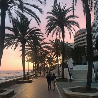 paseo maritimo sunset lovers.jpeg