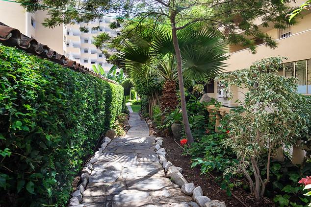 94 Marbella centro piso con jardine al l