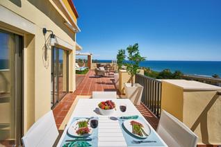 Tu terraza privada en la mejor playa Elviria Marbella calle o