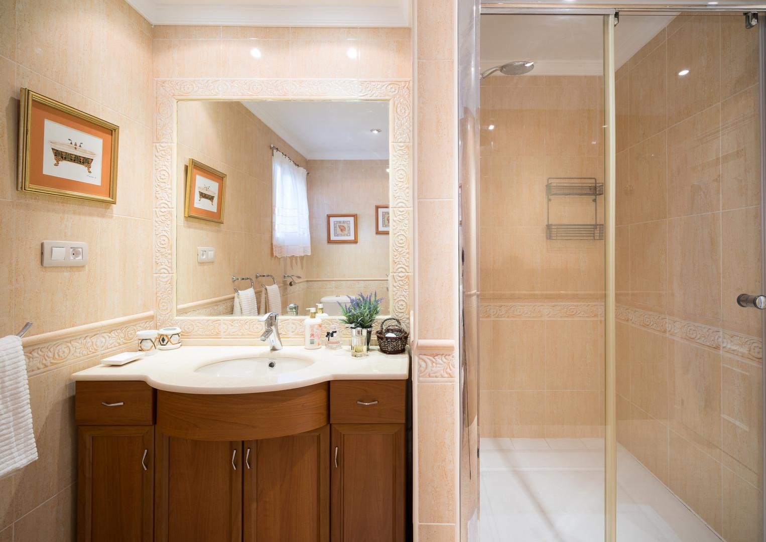 w63 3 bed 2 bath next to Don Carlos.jpg