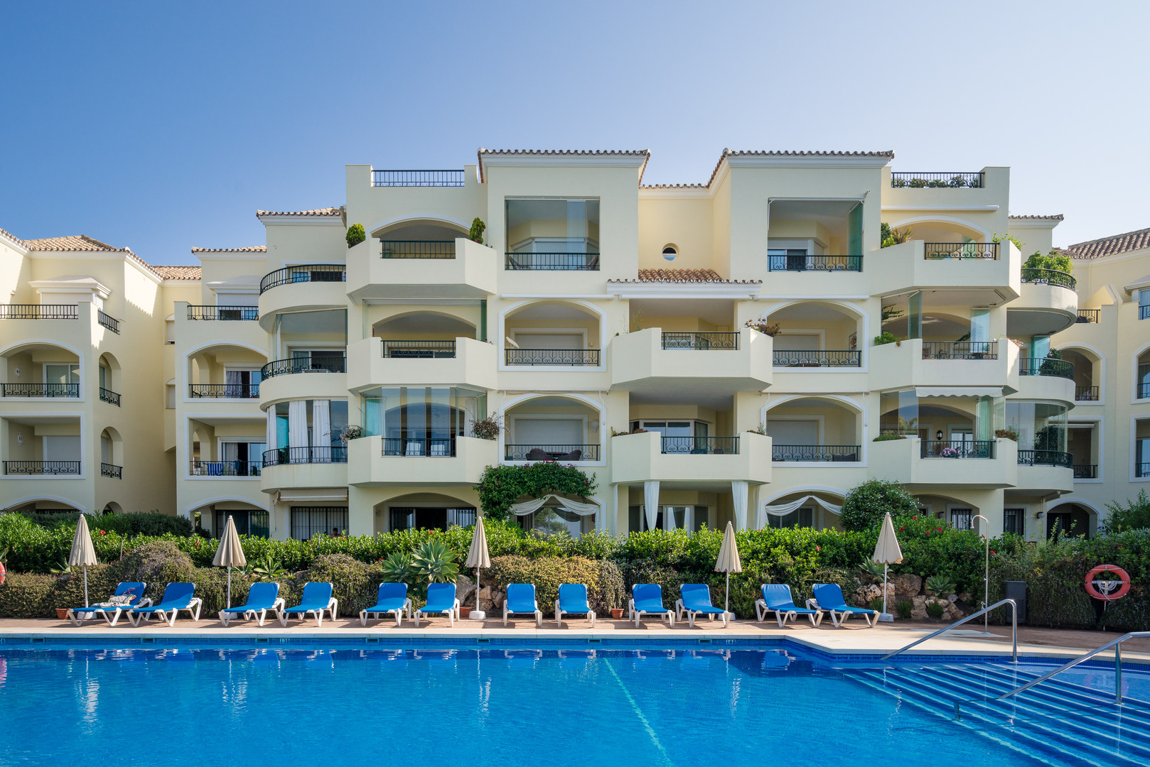 w93 beach front sea view apartment calle