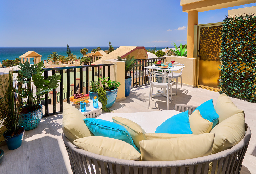 100 641 chillout lounge terrace.jpg