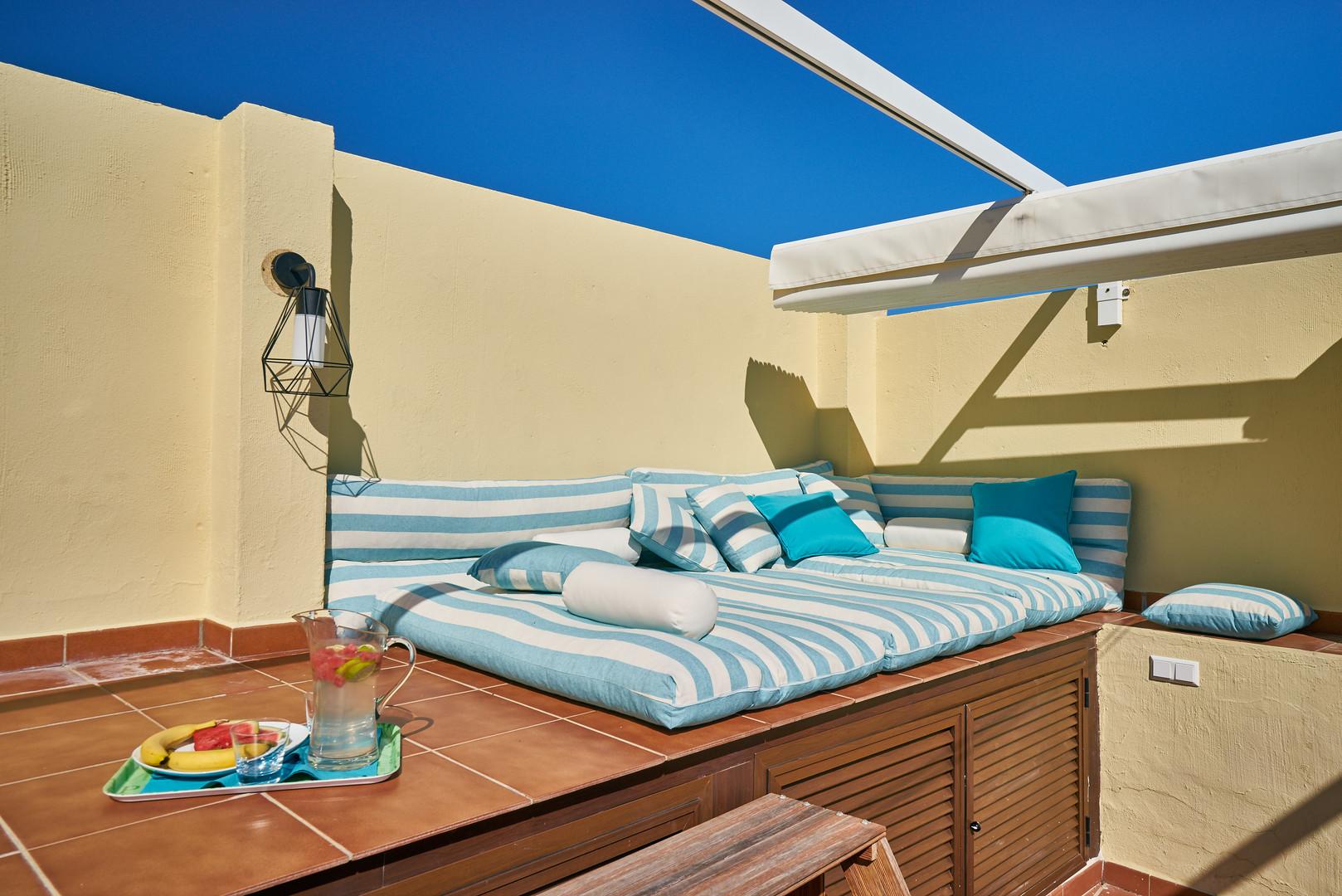 311 cozy corner terrace rooftop.jpg