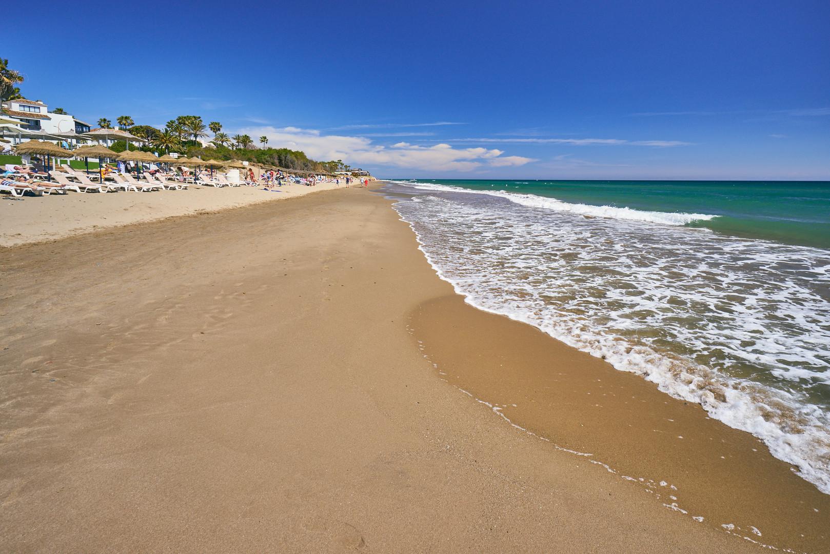 987 beach waves.jpg