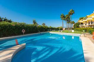 4 piscinas de frente de la playa y las dunas