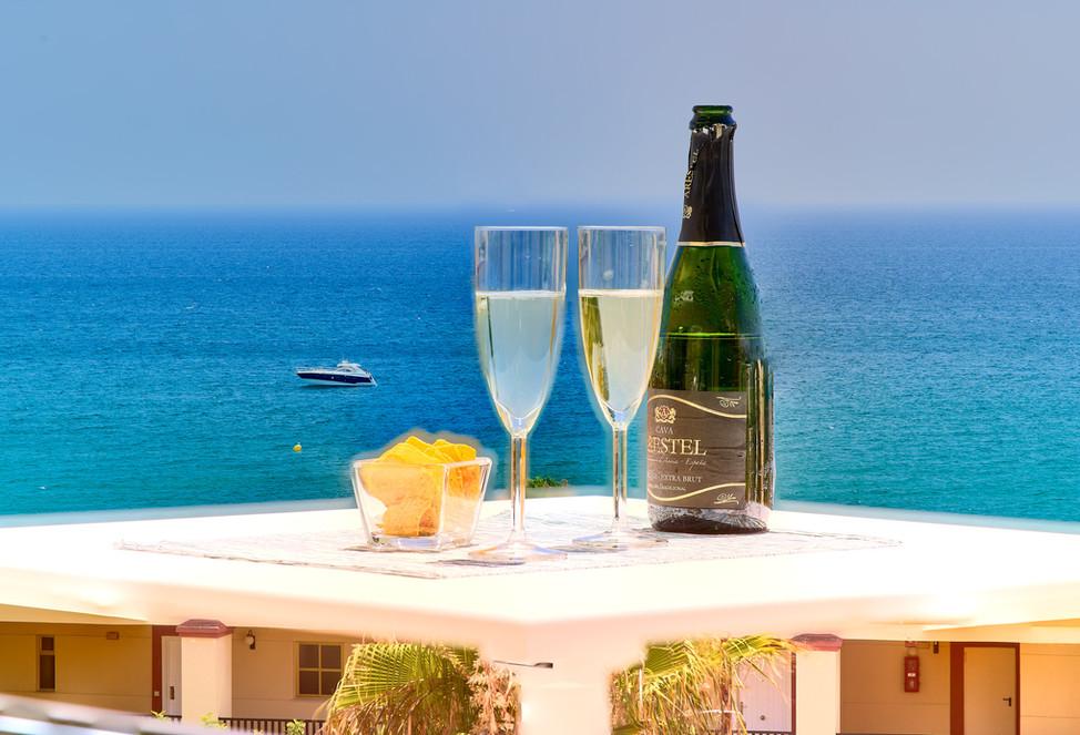 500 champagne chips boat.jpg