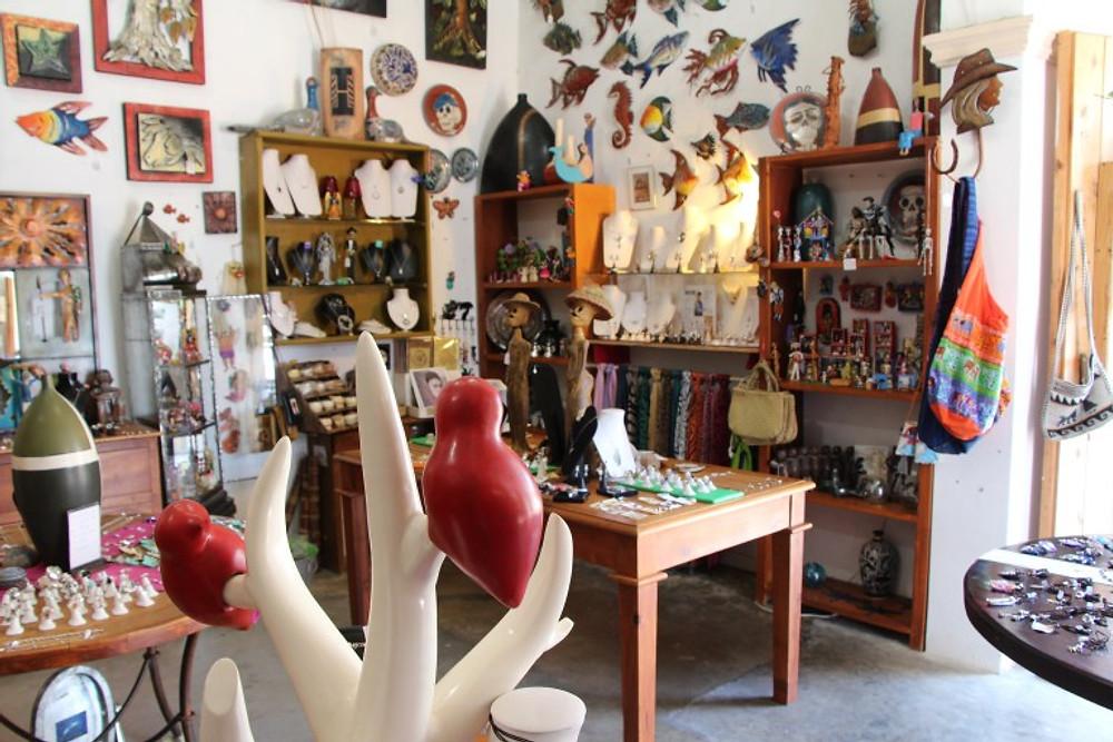 Art and souvenirs in Todos Santos. Road Tripping Baja Mexico
