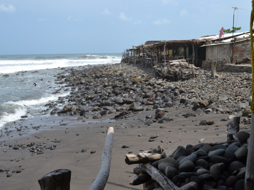 Surfing El Salvador – Waves Too Big For Us!