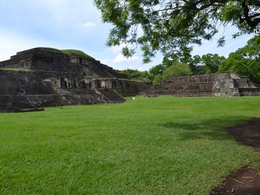 Ruinas del Tazumal in Santa Ana, El Salvador