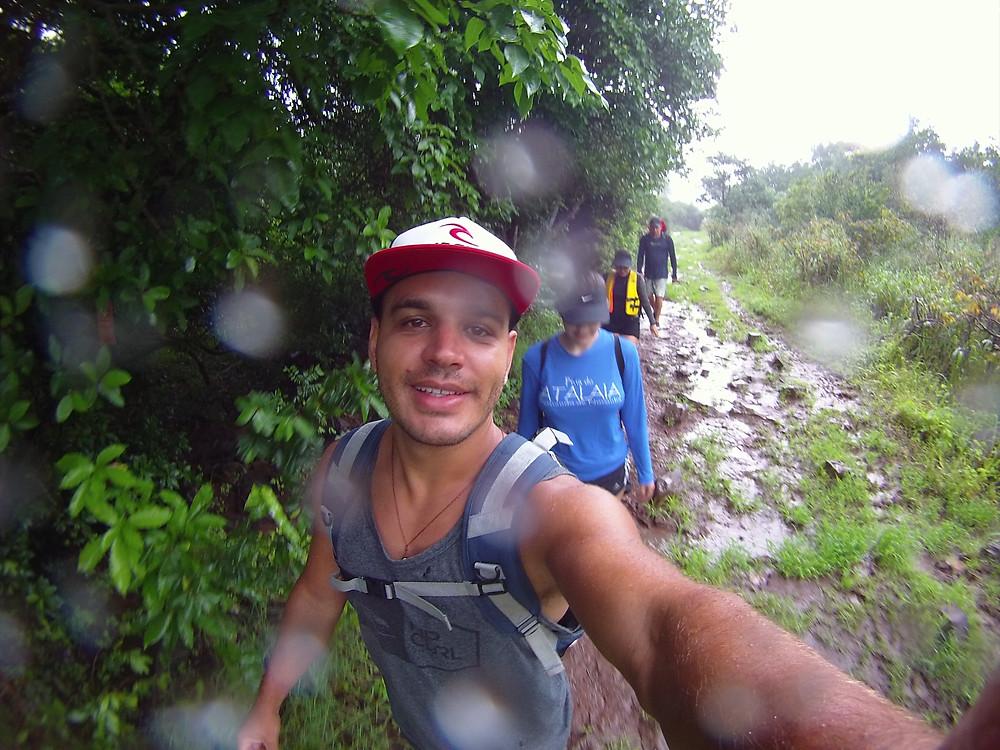 Trilha longa do Atalaia em dia de chuva
