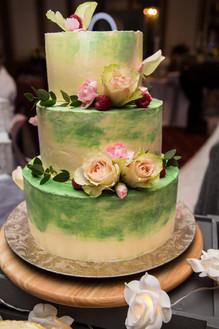 Colours & flowers - Spring wedding cake