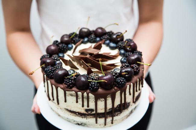 Black velvet with berries