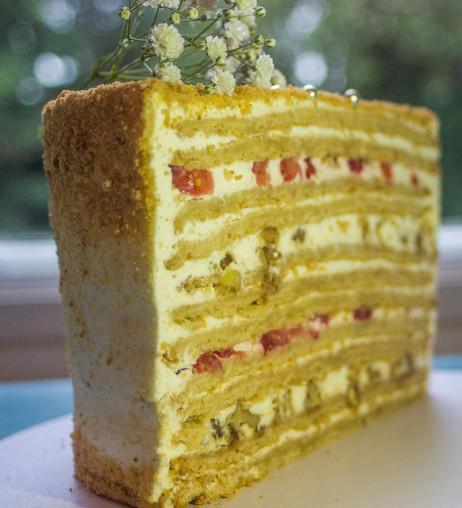 Miodownik (honey) cake layers