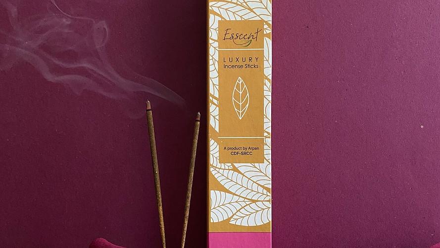 Esscent- Lily Premium Flower-based Incense Sticks