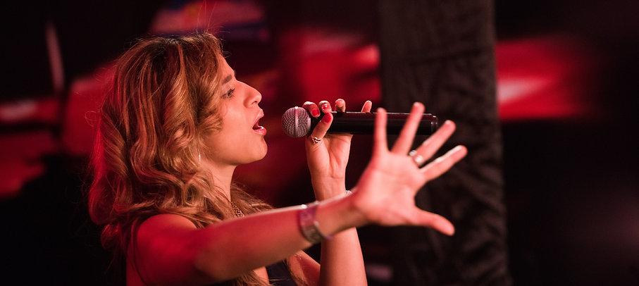 Ferrari Thanae Live Band Pulse ad Soul Oman Singer Song writer Oman Musicians