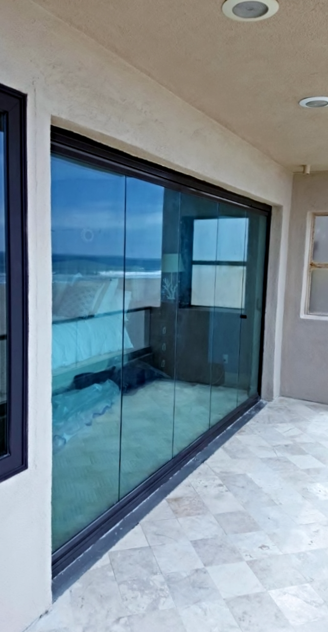 Oxnard Frameless Folding Doors