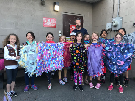 Brownie Troop 70143 Donates to EASEL