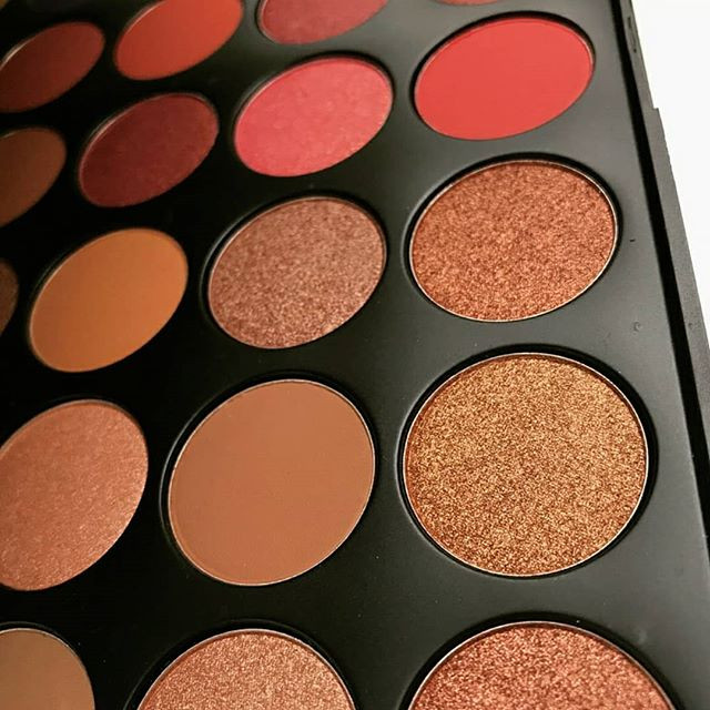 Maya Palette V.Lace Cosmetics