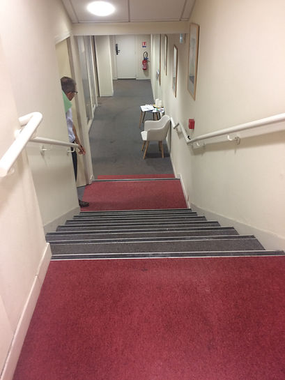 escalier avant.JPG