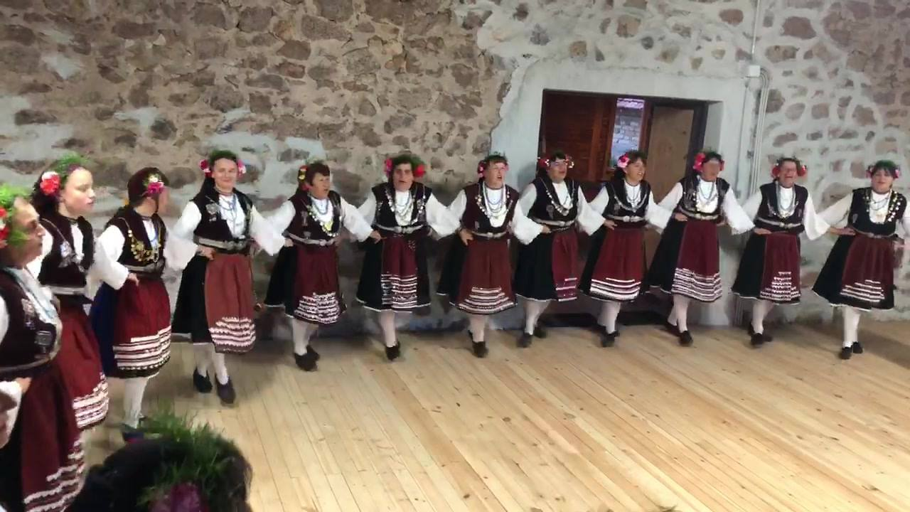 Song dances from the Voyniagovo folk group