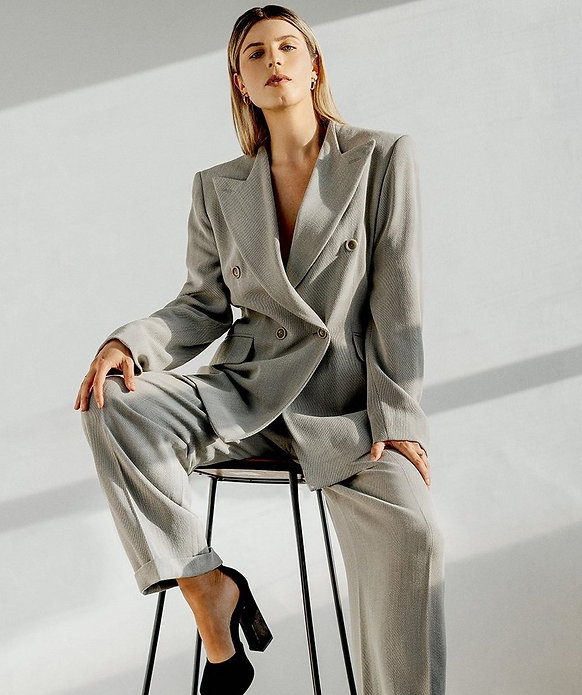 Max_Mara_Vintage_Suit_Creative_The_Moder