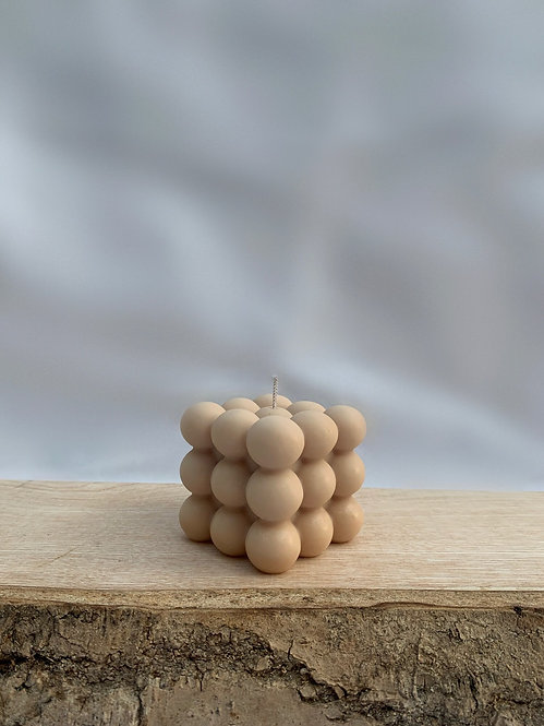 foam. - The Caramel Bubble Candle