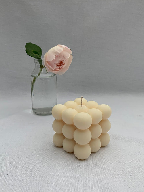 foam. - The Cream Bubble Candle