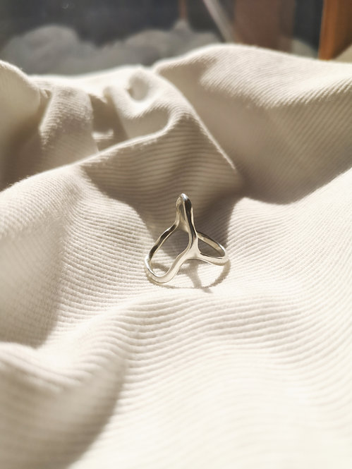 Tilly Sudsbury - Recycled Silver Open Fluidity Ring