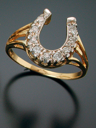 14kt  Yellow Gold Diamond Horse Shoe Ring