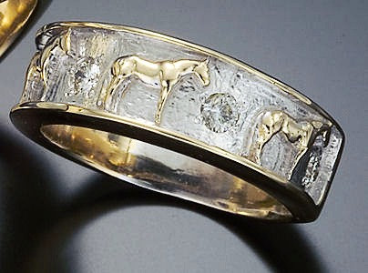 Quarter Horse Band Ring for Ladies