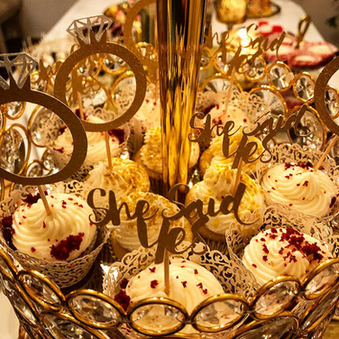 Christmas Enagagement Cupcakes