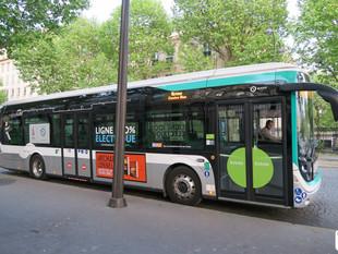 A bord du Bluebus standard, nouveau bus électrique de la RATP
