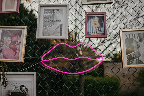 Lips Neon Pink 600mm x 300mm