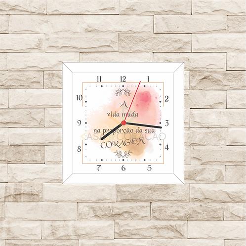 9013 - Relógio com  moldura Coragem