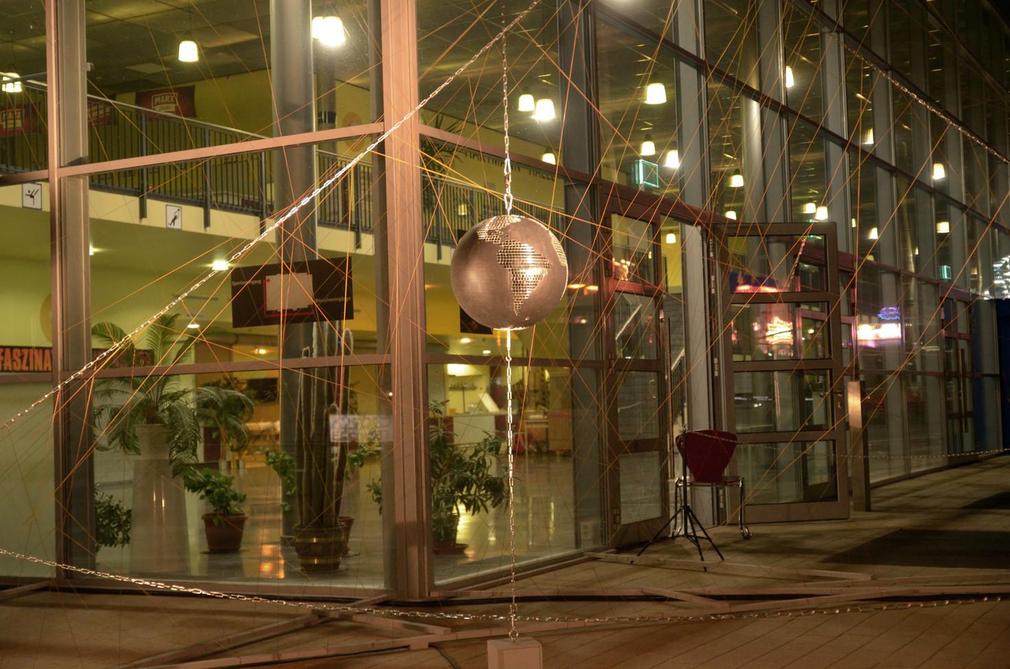 Der Mensch im Spiegel der Welt, Installation zum Bürgerfest Chemnitz vom 23.-25.08.2019 vor der Richard-Hartmann-Halle